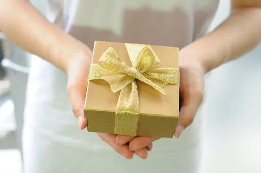 誰かに物をプレゼントする【1000円〜】