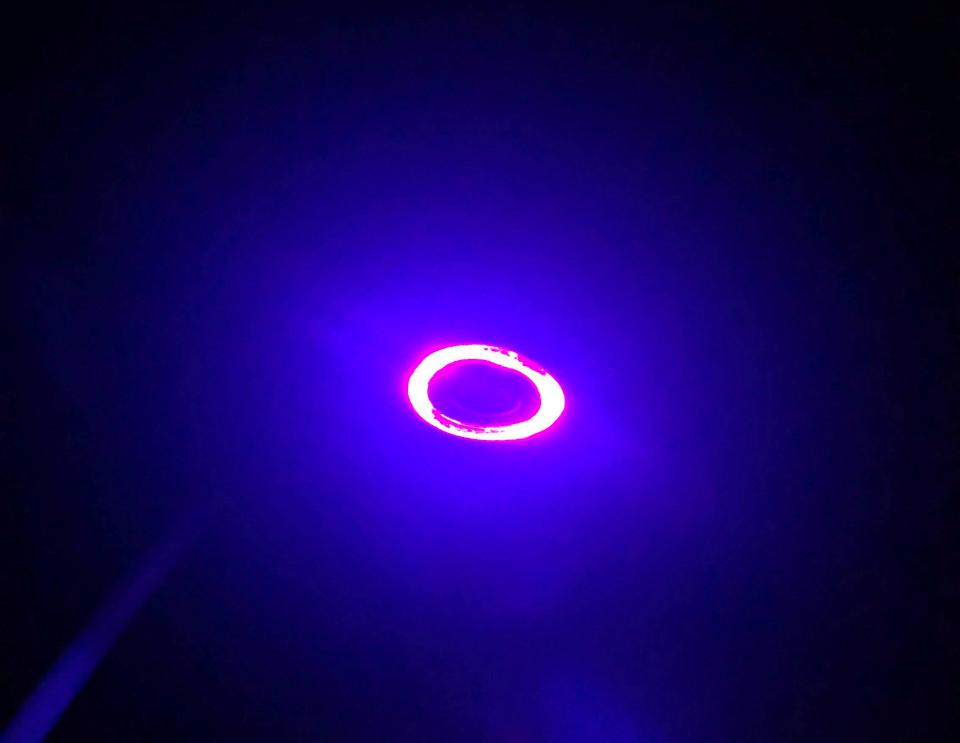 常に光り続ける電源ボタン